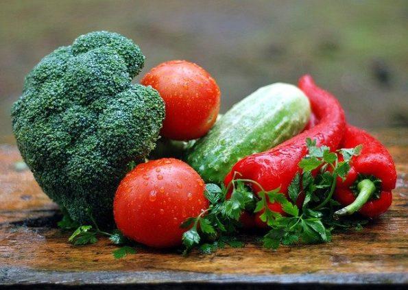 9 Cara Menyimpan Sayuran di Kulkas yang Benar agar Tidak Mudah Layu